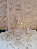 Eladó régi kézműves üveg piros pöttyös aranyozott boros palack 5 db csemege boros pohárral!