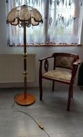 Gyönyörű fa- és réz állólámpa