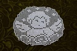 Horgolt csipke terítő kézimunka lakástextil dekoráció kis méretű terítő angyal minta 16,5 x 15,5 cm