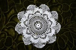 Horgolt csipke terítő kézimunka lakástextil dekoráció kis méretű terítő 13,5 cm