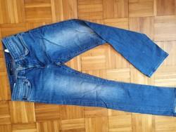 Calvin Klein női elasztikus farmernadrág 29 - s méretben eladó !