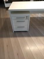 Nagyméretű fehér magasfényű íróasztal+irodai fiókos szekrény egyben