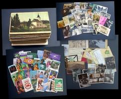 Vegyes tétel: 263 db képeslap, 32 db kártyanaptár, fotók és fotólapok