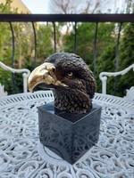 Szépen kidolgozott bronz szobor