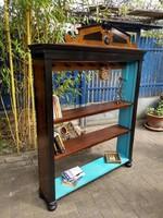 Gyönyörű faragott könyveszekrény, polc 37.000 Ft