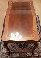 Neobarokk intarziás dohányzó asztal