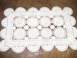 Csodaszép fehér antik kézzel horgolt terítő