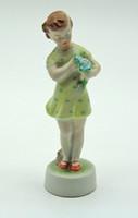M4 Zsolnay kislány virággal