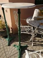 Öntöttvas lábú márvány asztal/virágtartó