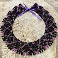 Gyöngy ékszer gyöngygallér széles csipke gyöngysor fekete lila egyedi tervezés