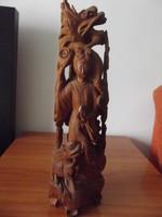 Faragott szantálfa szobor, keleti