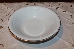Dombormintás porcelán kínáló