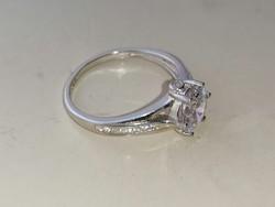 Ezüst soliter gyűrű cirkonkővel díszítve 925
