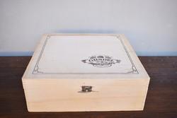 Vintage Gundel fa doboz