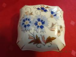 Zsolnay porcelán, búzavirág mintás bonbonier.