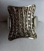 Ezüst gyűrű rengeteg cirkónia kővel