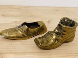 Bronz 2 db cipő figura