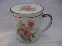Vadvirágos szűrős, fedeles csésze