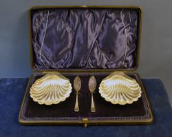 Ezüst kagyló alakú vajkínáló pár
