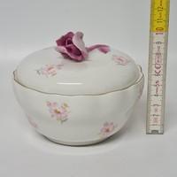 Rózsaszín virágmintás Aquincumi porcelán bonbonier (1732)
