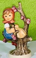 Hummel  porcelán figura.-  Lány az almafán