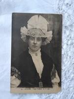 Antik francia képeslap/fotólap Angers - Anjou fejdísz 1910 körüli darab, hölgy csipkében