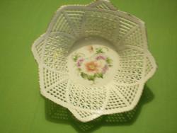 (Bararia) számozott porcelán áttört virágos kínáló tál hibátlan gyönyörű.18x6cm.