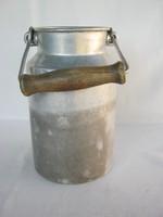 Retro alumínium kanna tejeskanna