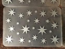 4 db átlátszó csillagos tányéralátét ( az ár együtt a 4 db-ra vonatkozik )
