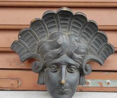 Faragott szobor jellegű, szfinx,Indiàn fej portré,vagy Egyiptomi stílusú,fali dísz, dekoráció