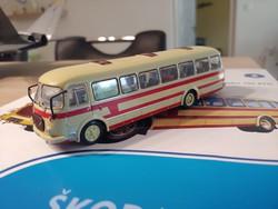 SKODA 706 RTO    autóbusz makett fémből prospektussal