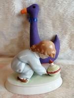 21174A38 Zsolnay Sinkó porcelán búgócsigával játszó gyermek
