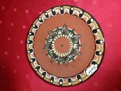 Bolgár mázas kerámia falitányér, átmérője 18,5 cm.