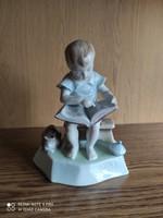 Zsolnay olvasó fiú