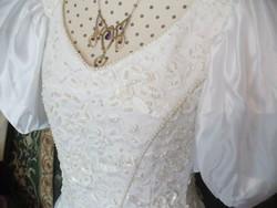 Fehér menyasszonyi vagy szalagavatóra táncruha