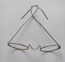 Régi drót szemüvegkeret