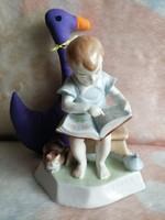 21175A4 Zsolnay Sinkó kézzel festett porcelán könyvet olvasó fiú