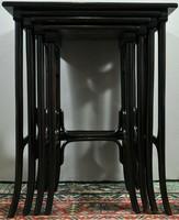 Thonet egymásba illeszthető 4 asztalka