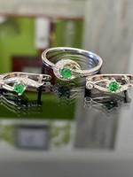 Káprázatos ezüst gyűrű és fülbevaló szett
