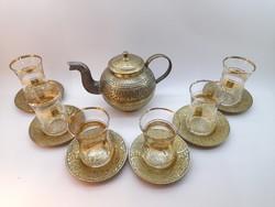 Keleti teáskészlet réz kannával, üveg poharakkal