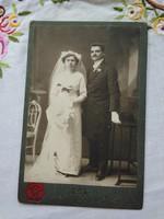 Antik, magyar kabinetfotó/keményhátú  fotó, esküvői fotó, Rek Matild Zsolna műterme, 1900 körüli