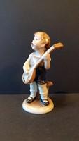 W & A Bertram, mandolinon játszó kisfiú.Régi porcelán nipp.