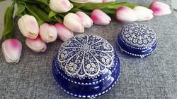 Parádi kék üveg csipkés bonbonier