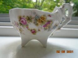 Antik csónak formájú kávés csésze díszes fogóval 4 kis lábon, dombormintás, virágmintás