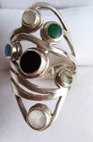 Ezüst gyűrű, rengeteg kővel, különleges darab