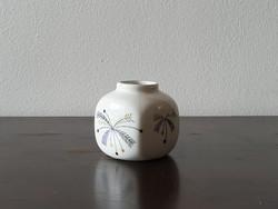 Aquincum Budapest kis porcelán ibolya váza lila arany virágos mintával retro