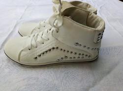 Jumex sportcipő .