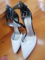 Guess női magassarkú cipő eladó 40  -s méretben / apró hibával !