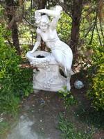 Kerti kő virágtartó női szobor nagyméretű