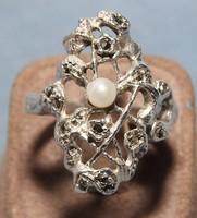 Antik Ezüst Gyűrű Markazitokkal,Gyönggyel a Közepében Reprezentatív Mutatós Ékszer